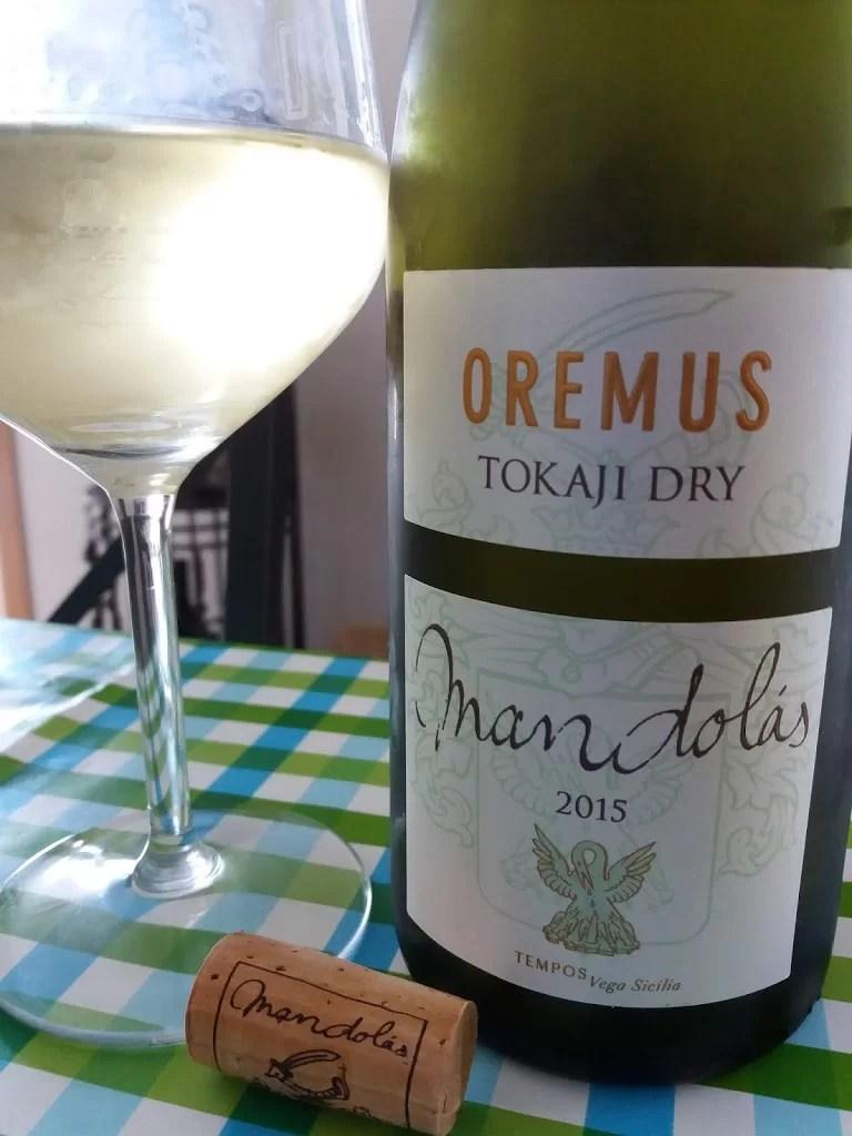 Vega Sicilia Oremus Mandolás Tokaj Dry 2015