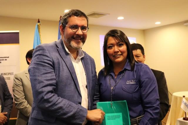 OIM y autoridades municipales del altiplano fortalecen las ventanillas informativas sobre migración