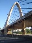 Bela estrutura do viaduto da Padre Adelino sobre a Salim Farah Maluf