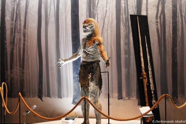 Utilizado na cena em que Sam mata um dos caminhantes com o 'vidro de dragão'