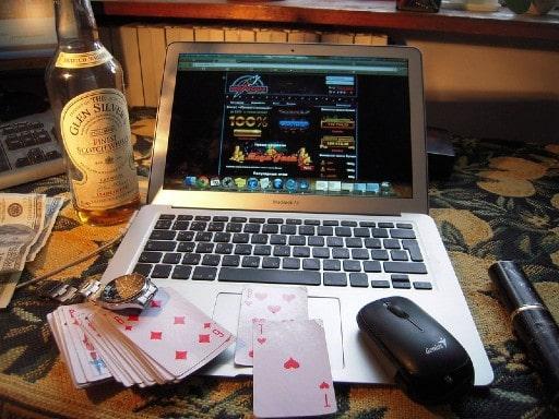 オンラインカジノと他ギャンブルとの違い