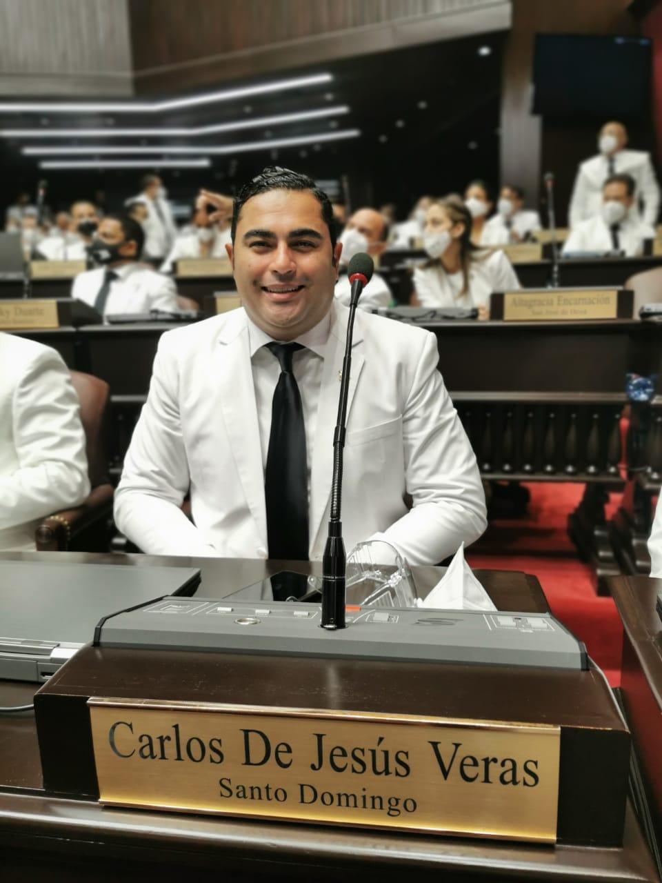 https://i0.wp.com/descifrandolanoticia.com/wp-content/uploads/2020/08/Diputado-Carlos-De-Jesus.jpg?fit=960%2C1280