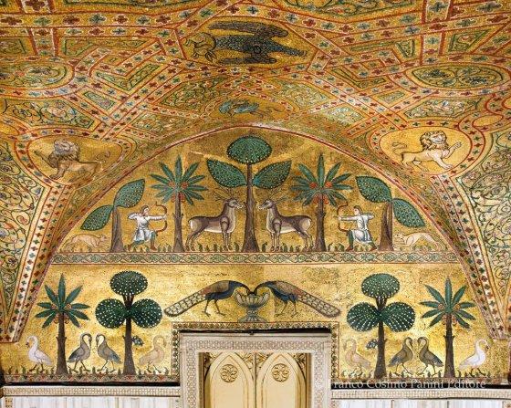 Para vocês terem uma ideia, esta é uma fotografia retirada do livro Palazzo Reale di Palermo, de Franco Cosimo Panini.