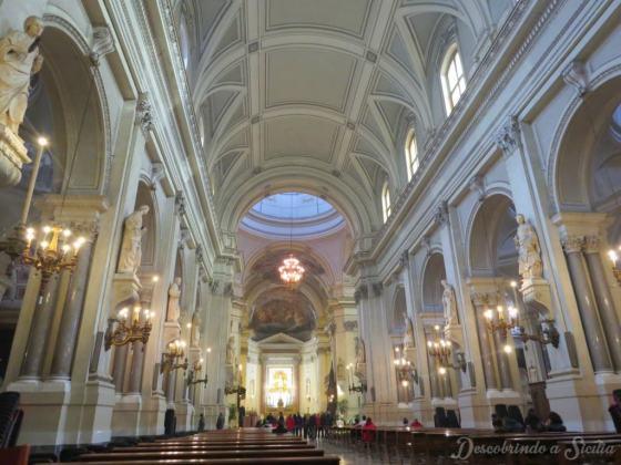 Parte interna da Catedral de Palermo