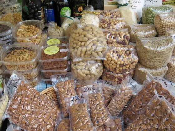 Mercado de ortigia: as frutas secas