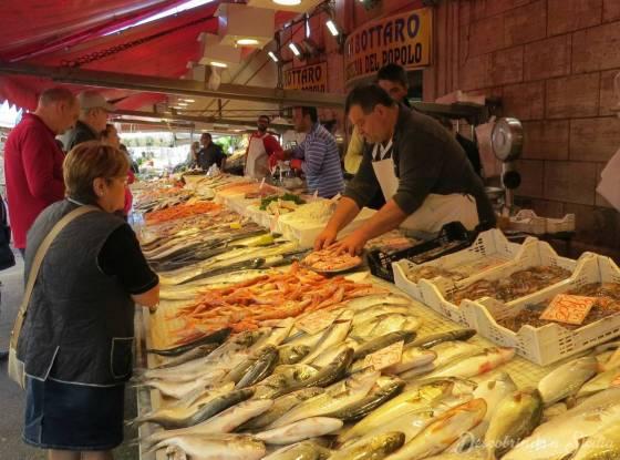 Mercado de ortigia: os peixes