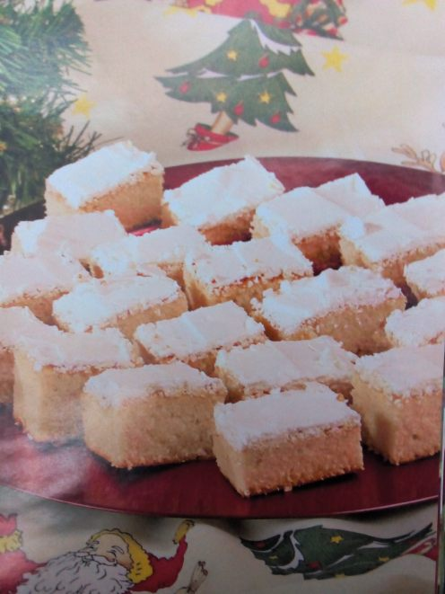 Fotografia prăjiturii din carte
