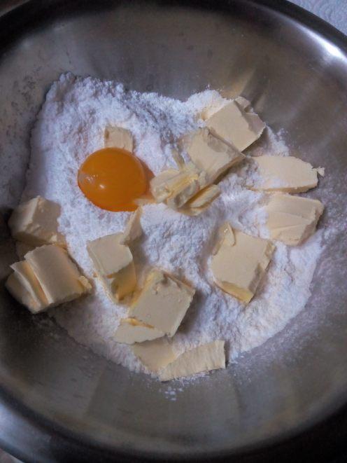 Ingredientele pentru blatul nisipos