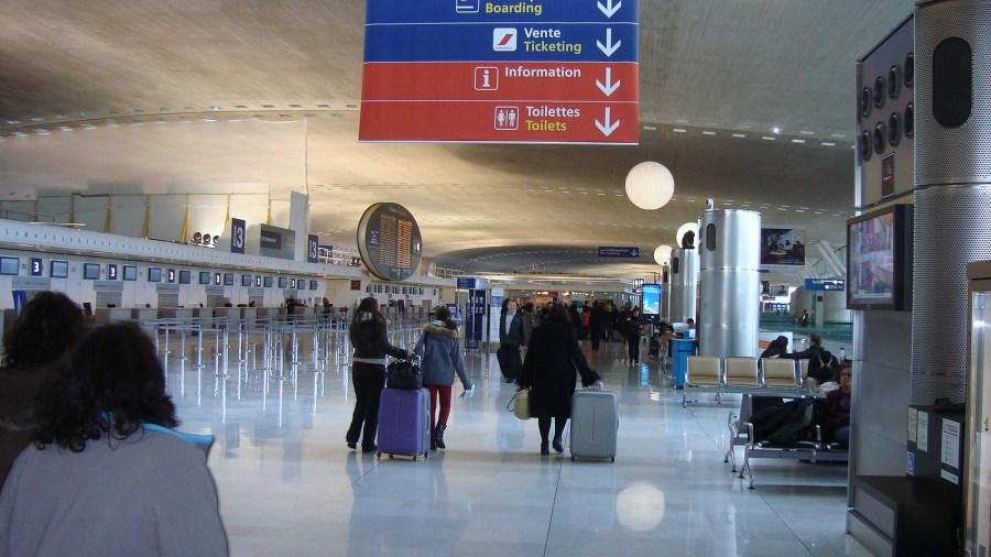 A língua francesa, frases e expressões úteis para sua viagem, aeroporto
