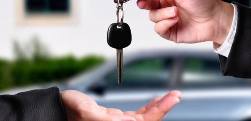 alugar carro em Paris vale a pena?