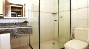 Banheiro Suite Hotel Ilhas do Caribe Praia da Enseada Guaruja