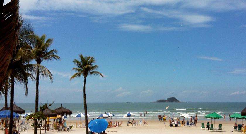 Vista da Praia da enseada em Guaruja dia de Sol