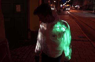 Interacket - Una chaqueta que cambia de color