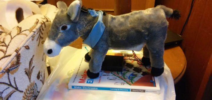 burro - Moviendo la cabeza de un juguete con Arduino