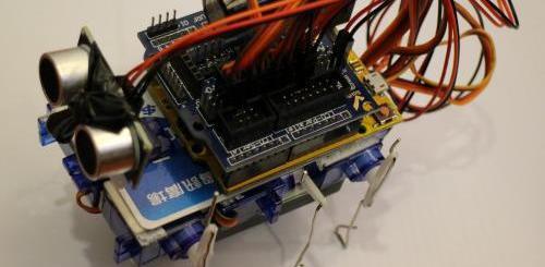 tarjetarobot - Construye un robot con tarjetas de crédito y Arduino