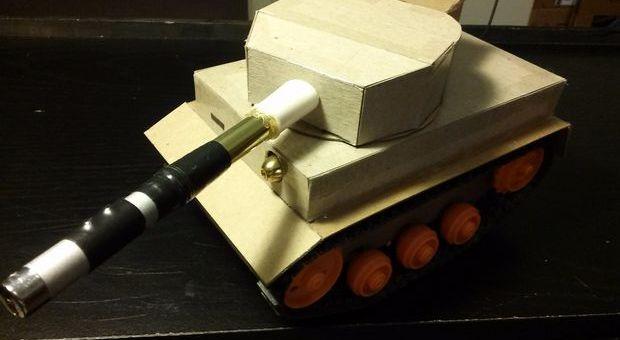 Convierte un coche radio control en un tanque con Arduino