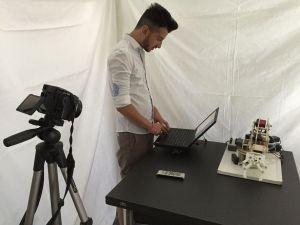 robot-arduino-300x225 Brazo robot con Arduino controlado por la voz