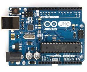 ArduinoUno_R3_y_usb-300x250 Qué es Arduino, como empezar, webs, cursos y tutoriales