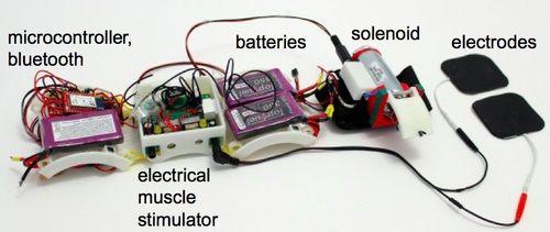 """impacto3 - Arduino te ayuda a """"sentir"""" la realidad virtual"""
