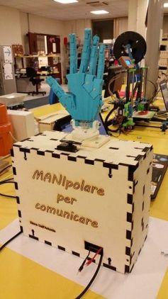 manipolare1 253x450 - Manipolare, lenguaje de signos con Arduino e impresión 3D