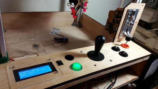 maquinita-arduino2-800x450 Construye y pasa un rato divertido con esta máquina de feria