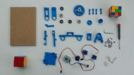 robik2 800x449 - Robik, un robot impreso en 3D que hace el cubo de Rubik
