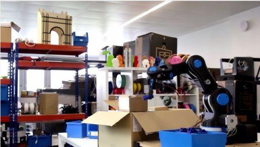 BCN3D-MOVEO2 BCN3D MOVEO, brazo robótico de código abierto impreso en 3D y controlado con Arduino