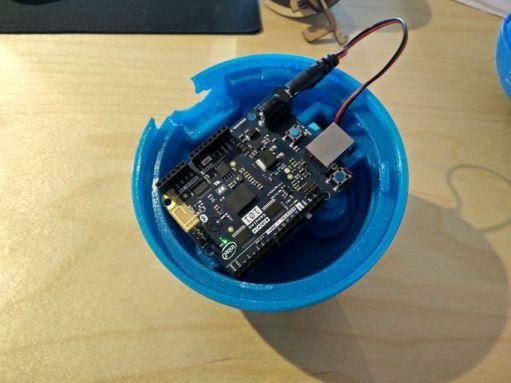pokeball arduino 600x450 - Ahora sí, ya sabemos como construir una pokéball con Arduino