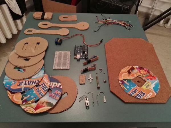 brazo-robotico-carton