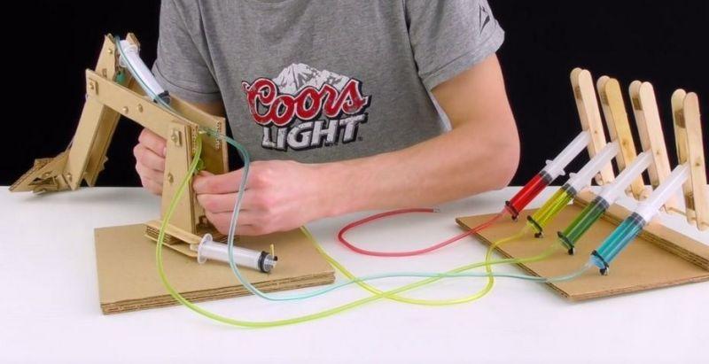 carton 800x411 - Cómo construir un brazo robot totalmente funcional con cartón