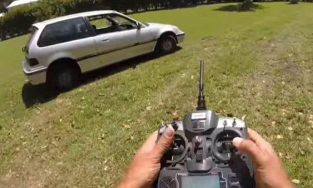 Controla tu coche con un mando a distancia, sí has oido bien, con un mando a distancia