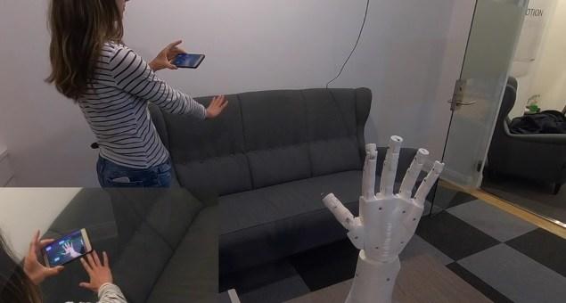 manomation - Una mano de control robótica con ManoMotion