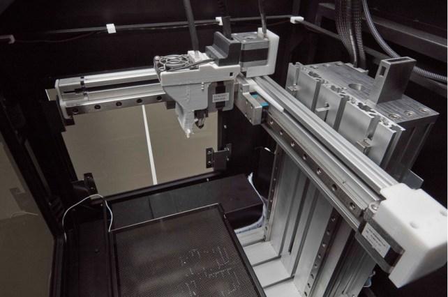 x5 en serie 678x450 - Cómo utilizar la Impresión en 3D en pequeñas producciones