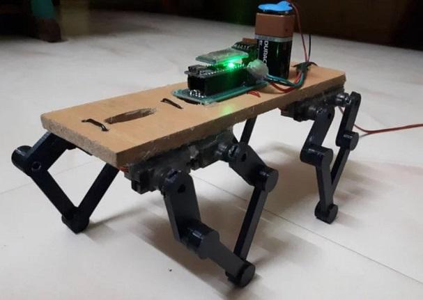 robot cuadrupedo construido con Arduino