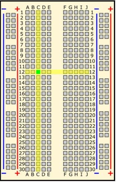 c12 en verde - Protoboard, ¿Qué es y cómo se usa?