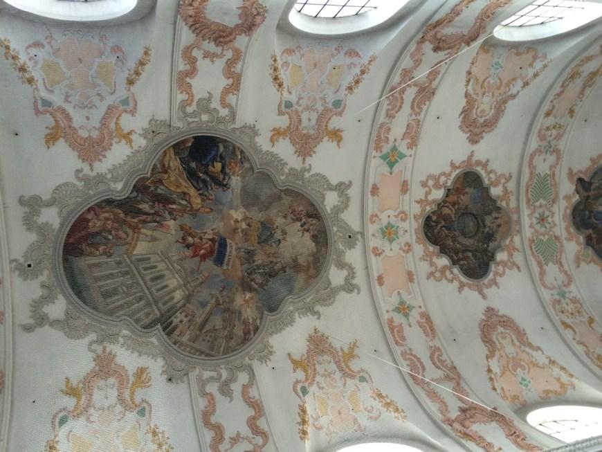 Techo del interior de la iglesia Jesuitenkirche
