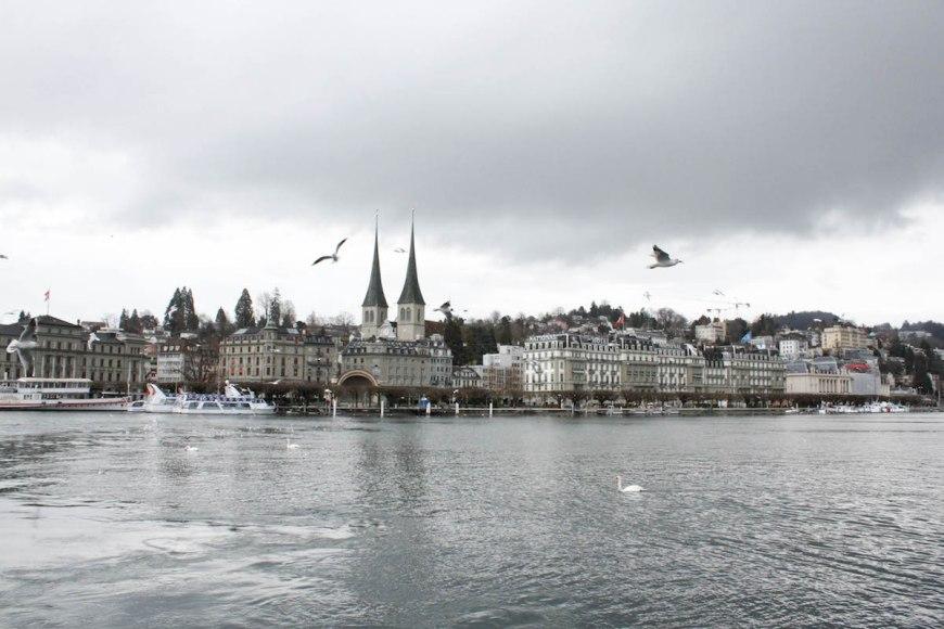 Ciudad de Lucerna vista des del barco