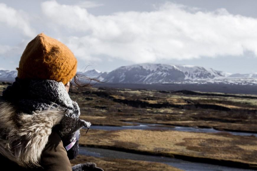 Anna en el parque nacional de thingvellir