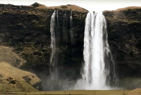 Cascada Seljalandsfoss en Islandia