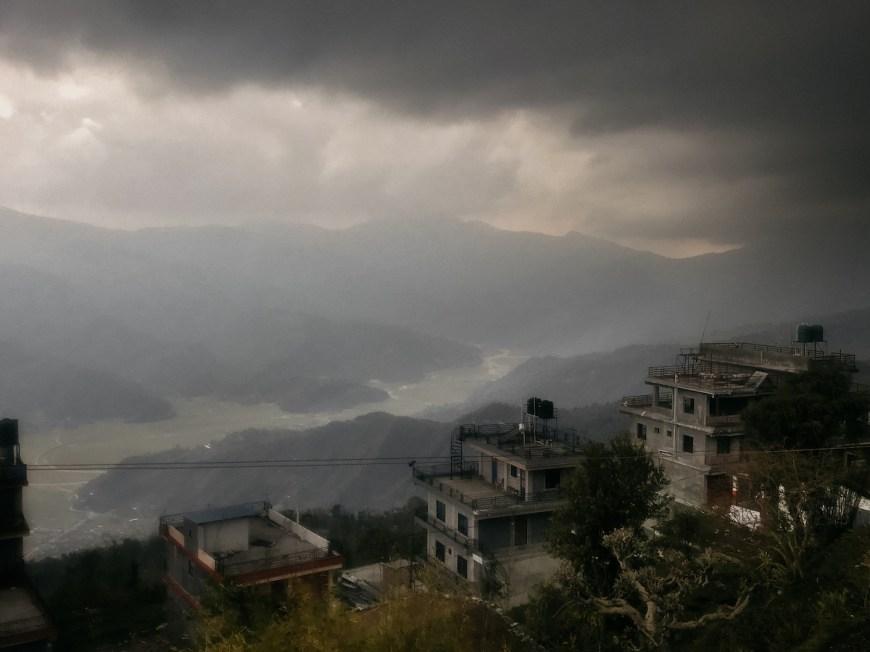 Valle de kaski y tormenta aproximándose, Sarangkot, Nepal