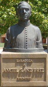 """Busto dedicado al """"Ángel de Budapest"""" en su ciudad natal, Zaragoza"""