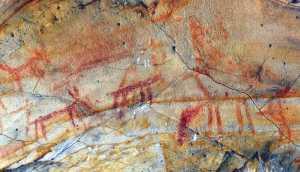 Panel agrietado de la Cueva del Pajarraco (Ángel Sáez Rodríguez).