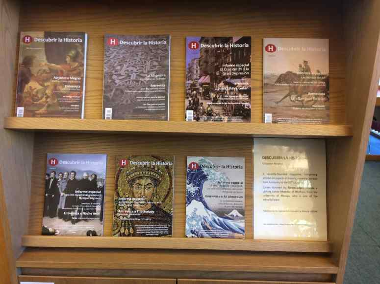 Revistas en un mostrador de Lee Library (Wolfson College, Cambridge)