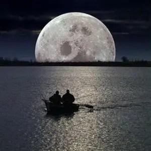 sturgeon moon image