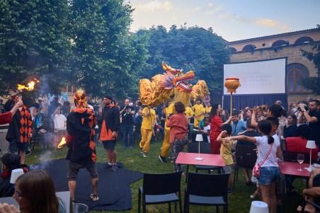 Danza del dragón y león chinos en el Fesnits 2019