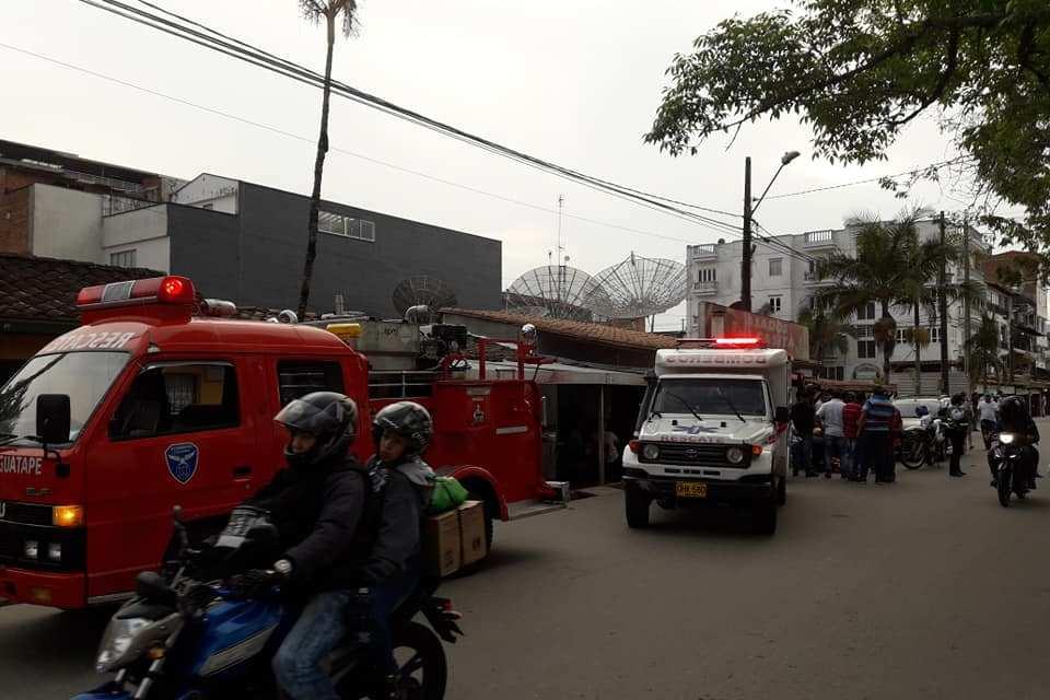 Se firma convenio con el cuerpo de bomberos voluntarios de Guatapé