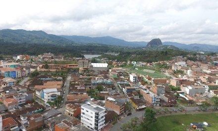 Guatapé el primer municipio en prohibir el uso del Icopor o poliestireno expandido
