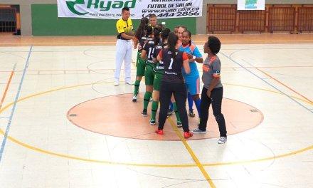 Guatapé disfruto del talento nacional de futbol de salón femenino