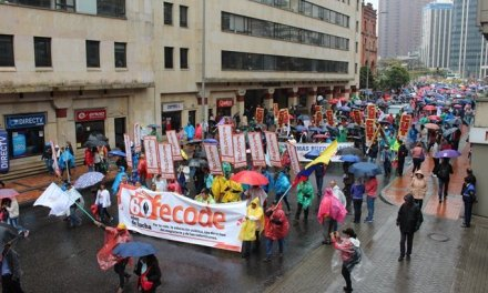 45 docentes están en paro en Guatapé