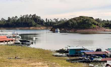 Continúa restringida la navegabilidad sobre el embalse Peñol – Guatapé
